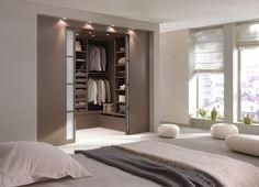 Une chambre avec une salle de bain ou un dressing : conseils pour réussir votre suite parentale