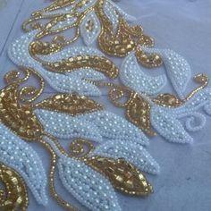 Regardez cette vidéo Instagram de @salimastyle • 81 mentions J'aime Tambour Beading, Tambour Embroidery, Bead Embroidery Patterns, Bead Embroidery Jewelry, Silk Ribbon Embroidery, Hand Embroidery Designs, Beaded Embroidery, Embroidery Dress, Beading Patterns