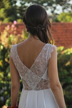Lace AND a cool back? I have to own this dress
