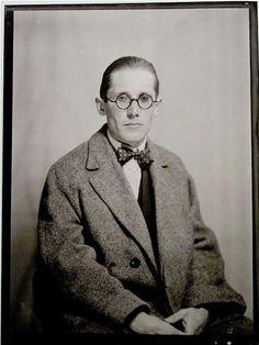 Le Corbusier. The best. KAGADATO selection. **************************************Le Corbusier by ManRay  (1930s)