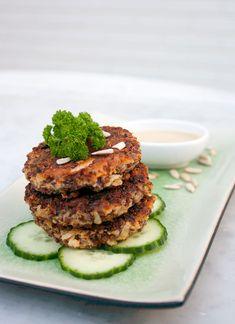 Her er mit bedste bud på en lækker vegetar-erstatning for de traditionelle frikadeller: Quinoa-deller! De er sprøde, velsmagende og kan fryses.
