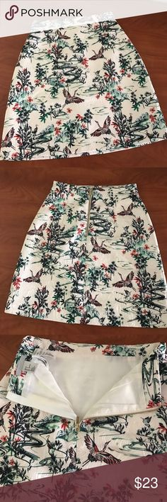 """H&M skirt Good as new! Waist 12""""in length 18"""" in. No trade H&M Skirts Mini"""