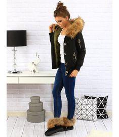 Obojstranná čierne dámska zimná bunda s kapucňou Parka, Clogs, Fashion, Clog Sandals, Moda, Fashion Styles, Fashion Illustrations, Parkas
