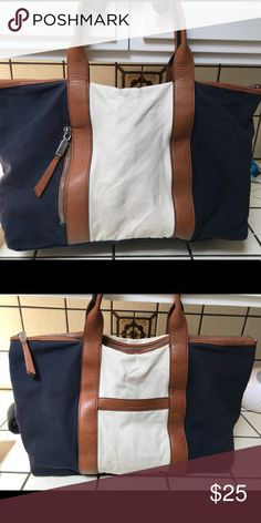 Splendid navy and cream canvas bag. Cream and navy splendid canvas bag with navy and cream striped inside. Splendid Bags Shoulder Bags