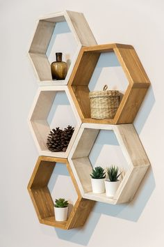 Wall Shelf Decor, Wall Shelves Design, Diy Wall Decor, Wood Wall Shelf, Home Decor, House Plants Decor, Plant Decor, Room Ideas Bedroom, Bedroom Decor