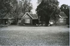 1940s(?): Mennonite Guesthouse, Westlands. House Pics, Out Of Africa, Home Pictures, Nairobi, Kenya, 1940s, Cabin, House Styles, Places