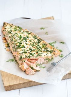 Hele zalm met kruidenkorst-whole salmon with herb crust x
