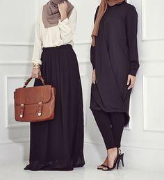 noire pleated skirt