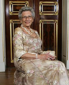 Her Highness Princess Astrid, Mrs. Ferner was born on 12 February 1932. Her Highness is the daughter of King Olav and Crown Princess Märtha. She married Mr. Johan Martin Ferner in Asker Church on the 12th of January in 1961.