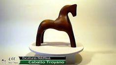 Resultado de imagen para esculturas de caballos de madera