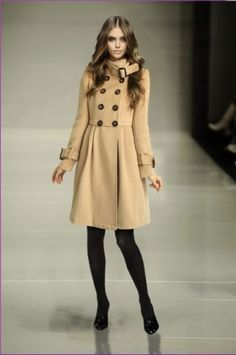 Burberry Cashmere Pleated Women Coat Apricot.