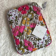 e56fa96f83 Vera Bradley tablet sleeve W x H x ¾