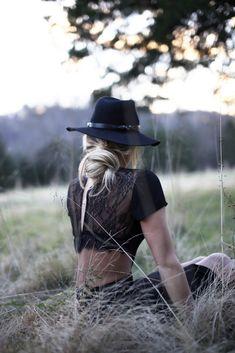 boho style #boho #bohemian #hat #fashion #zoesvintagevault  pinterest.com/zoesvintage/boho/