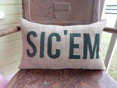 Baylor Bears burlap SIC 'EM pillow