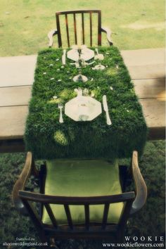 Moss Table Runner - this is a really interesting idea...