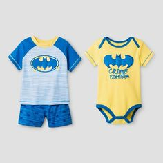 This Warner Bros. Baby Boys' 3-Piece Batman Shorts Set in Turquoise is just the thing your little super hero needs. This set includes a short sleeve bodysuit, short sleeve tee shirt and coordinating shorts.