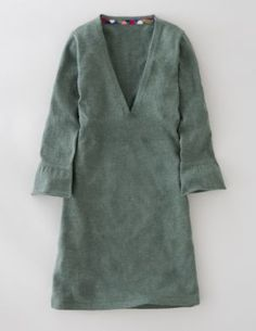 tunic (boden) - i know some people find these shapeless, but i've found that they can look really great with a wide belt, quality cognac leather boots, oversized satchel and understated jewelry. especially in the fall