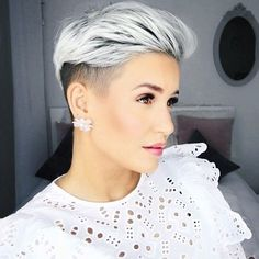 20 Incredible Side-Shaved Hairstyles For Women 2019 – Hair Styles Funky Short Hair, Edgy Hair, Short Blonde, Short Hair Cuts, Trending Hairstyles, Pixie Hairstyles, Pixie Haircut, Short Hairstyles For Women, Women's Shaved Hairstyles