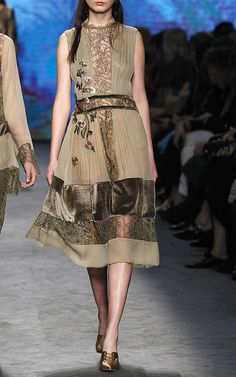 Alberta Ferretti Look 39 on Moda Operandi