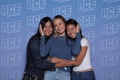 ❤❤ The more I see photos and stories of people meeting Brie at ACE Comic Con, the more I'm convinced that we should really focus on the good things and really ignore the hate because responding to. Meet And Greet Poses, Ace Comics, Avengers Cast, Brie Larson, Best Actress, Captain Marvel, Picture Video, Tv Shows, It Cast