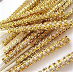 Add a touch of sparkling rhinestone bling to your dessert buffet in gold. Perfect to add glam to cake pops, mini donuts, mini brownies, marshmallows, cupcakes, candy apples or fruit platters. Fabulous