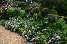 Garden and Home Stepping Stones, Home And Garden, Gardens, House Styles, Gallery, Outdoor Decor, Plants, Inspiration, Home Decor