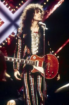 """kalmiyh: """"""""Emotion has to be foremost. When I feel emotional I'm equipped to express myself. Vintage Pictures, Cool Pictures, Lady Stardust, Mick Ronson, 70s Glam, Classic Rock And Roll, Marc Bolan, Glam And Glitter, Twelfth Night"""