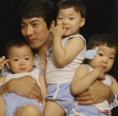 Introducing the & (DOB 16 March adorable triplets of actor Debut on KBS Sunday variety show Happy Sunday on 6 July 2014 at age 27 months Superman Cast, Superman Kids, Cute Kids, Cute Babies, Song Il Gook, Triplet Babies, Man Se, Song Triplets, Song Daehan