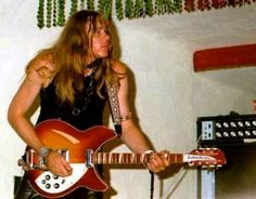 """Guitar Wizard GLEN BUXTON (Alice Cooper) ar Wonderland Pop Festival, Ontario Canada. His Rickenbacker!! & Acoustic 261 SS Amp. - Those Acoustic heads have the same Fuzz circuit as MOSRITE """"FUZZBRITE""""pedals. - VELVET UNDERGROUND & THE DOORS used em too."""