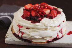 Pavlova, Romanian Desserts, Romanian Food, Cake Videos, Something Sweet, Yummy Cakes, Chocolate Cake, Sweet Recipes, Sweet Treats