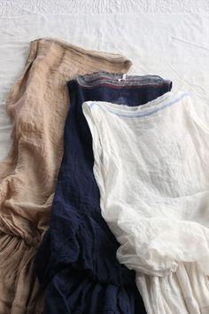 selvedge as neckline on linen dresses Mode Style, Style Me, Magnolia Pearl, Yohji Yamamoto, Linen Dresses, My Wardrobe, Perfect Wardrobe, What To Wear, Personal Style