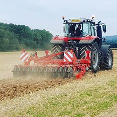 DTX out in the field in West Sussex with and the team from C&O Funtington. Kverneland is exclusively available from C&O's Funtington depot, talk to the team there on 01243 682 025 for full details. Tractor Farming, Tractor Pictures, Trailers, Fields, Instagram, Hang Tags