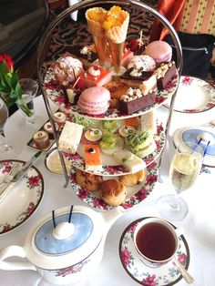 http://www.langhamhotels.com/en/the-langham/pasadena/dining/afternoon-tea-with-wedgwood/ Langham Hotel Pasadena - Wedgewood tea