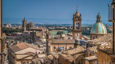 I bellissimi tetti siciliani di Caltagirone