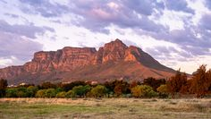 Eastern side of Table Mountain and Devils Peak / Clickasnap Table Mountain, Monument Valley, South Africa, Devil, Sunrise, Landscape, Nature, Travel, Viajes