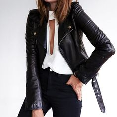 Черные джинсы с высокой посадкой – must-have этого сезона. В таких джинсах много важных компонентов: идеальная посадка, высокая талия, правильно размещенные задние карманы, черный цвет, который не выстирается, и т.д. Приходите к нам в JiST за новой парой правильных черных. Ул.Саксаганского 65. #fashionable #outfitidea: #stylish #black #jeans help to create many #trendy #outfits #мода #стиль #тренды #джинсы #блуза #модно #стильно #осень