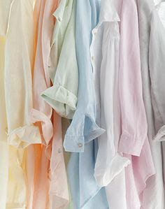 A plain pretty pastel shirt looks cute under a cropped jumper, jeans and pumps. Zara and Cos are both good choices for very reasonable light cotton shirts. Ropa Color Pastel, Style Pastel, Soft Colors, Pastel Colors, Pastel Coloured Dresses, Pastel Pink, Pastel Nail, Soft Pastels, Pink Blue