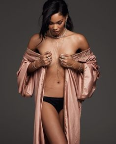 1adec2a7b Las 22 mejores imágenes de Mujeres famosas en ropa interior y ...