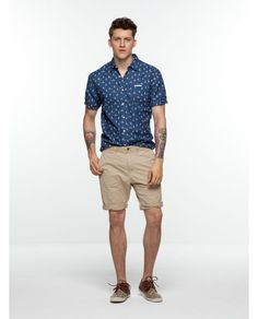 short-sleeved voile shirt with sleeve contrasting roll-up