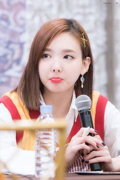 Lim Na-yoen Twice South Korean Girls, Korean Girl Groups, 2ne1 Dara, Twice Korean, Twice Once, Nayeon Twice, Minatozaki Sana, Im Nayeon, Mamamoo