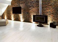Carrelage imitation parquet Listone Classico Bianco Antico 15 x 60 cm Wood Effect Floor Tiles, Wood Effect Porcelain Tiles, Porcelain Floor, White Porcelain, Next Living Room, Living Rooms, Living Spaces, Kitchen Floor Tile Patterns, White Washed Floors