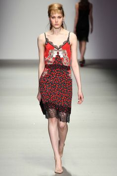 Holly Fulton Fall 2015 Ready-to-Wear - Collection - Gallery - Style.com