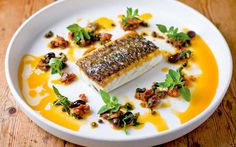 Yummy fish, also without skin and with substitutions. Shellfish Recipes, Seafood Recipes, Cooking Recipes, Aussie Food, Australian Food, Barramundi Recipes, Light Recipes, Easy Recipes, Bistro Food