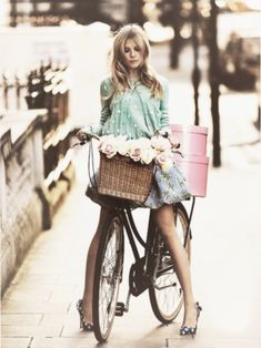 Clemence Poesy... so in love with that shot!