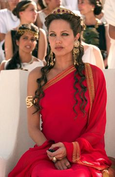 Image uploaded by Angelina Jolie. Find images and videos about love, sexy and Angelina Jolie on We Heart It - the app to get lost in what you love. Angelina Jolie Movies, Greek Dress, Greek Toga, Toga Party, Greek Goddess Costume, Greek Mythology Costumes, Greek Goddess Dress, Alexander The Great, Alexander 2004