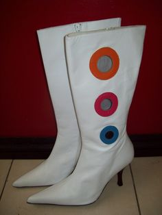 I simply LOVE these go-go boots!!!