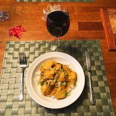 Kyckling med chili, ingefära och koriander. Garam Masala, Chili, Curry, Ethnic Recipes, Food, Cilantro, Curries, Chili Powder, Chilis