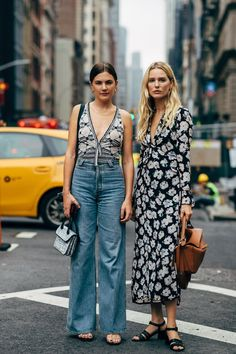 Fashion Week Street Style Is Here, So We've Got Like a Million Outfit Ideas Now Photo of Day 7 New York Fashion Week Street Style, Street Style Edgy, Street Style Summer, Cool Street Fashion, All Fashion, Retro Fashion, Fashion Outfits, Emo Outfits, Punk Fashion
