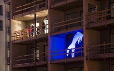 Tampereen Valoviikoilla 2014 Härmälänrannan rakenteilla olevissa taloissa oli valoinstallaatioita. / Lighting installations in buildings under construction in Härmälänranta in 2014.