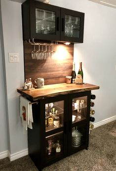 Home Bar Rooms, Home Bar Areas, Diy Home Bar, Modern Home Bar, Home Bar Decor, Bars For Home, Mini Bar At Home, Home Bar Cabinet, Bar Cabinets For Home